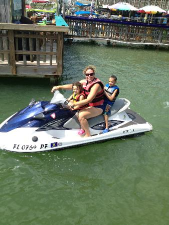 Woody's Watersports : Family fun!