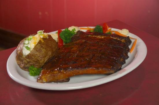 Roadside Willies Smokehouse & Bar: BBQ Smoked Ribs