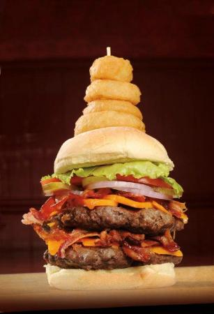 Roadside Willies Smokehouse & Bar: Triple Double Pounder