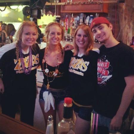ZaZa's Pub & Pizzeria: ZaZa's Fun, friendly staff will keep you coming back again and again!