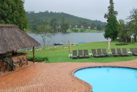 Pine Lake Inn: Vue sur le lac