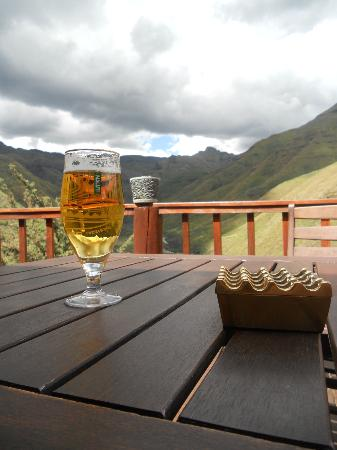 Maliba Mountain Lodge: Maluti beer on the main lodge deck