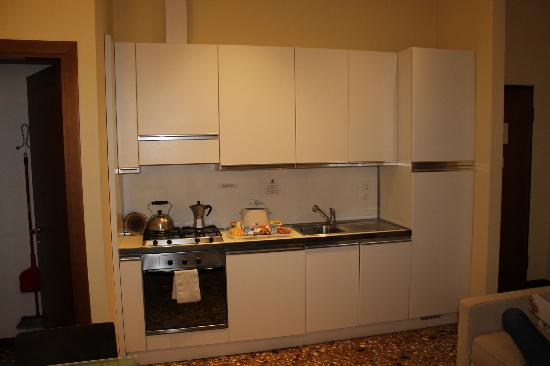 Residence Ca' Foscolo: Kitchen