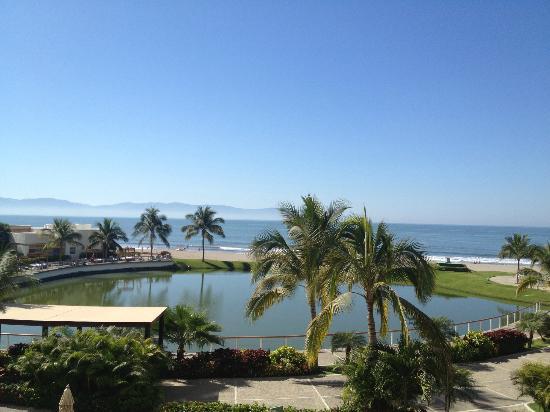 The Grand Mayan Nuevo Vallarta: beach view
