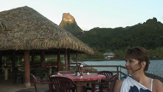 Club Bali Hai Moorea Hotel: View from Blue Pineapple just before dinner