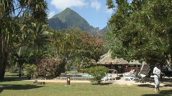 Club Bali Hai Moorea Hotel: Still another mountain view