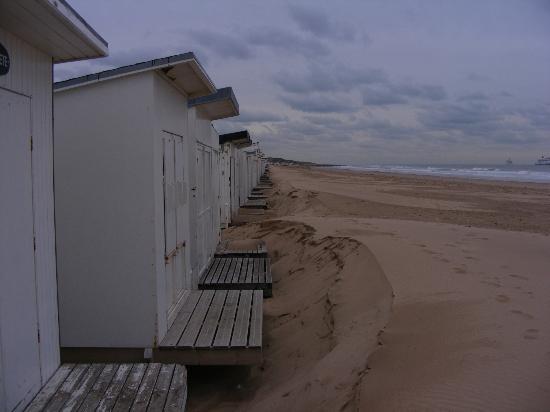 Calais Beach: Beach huts