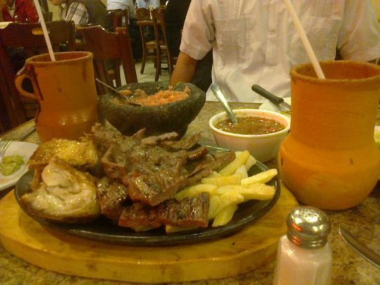 Apodaca, Mexico: Paquete de carne asada y cabrito