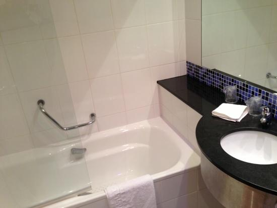 Holiday Inn Express: bagno