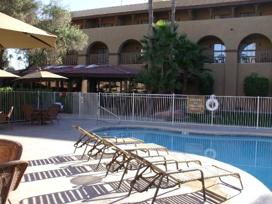 Four Points by Sheraton Tucson Airport: Pool area