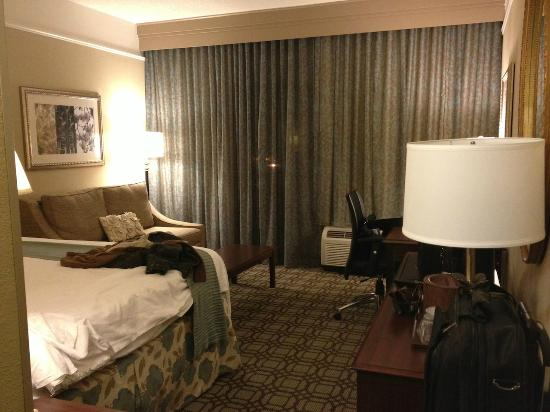 Courtyard by Marriott Savannah Historic District: King Room