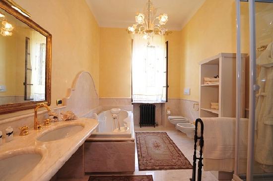 Relais Villa San Matteo: Bagno camera Aida