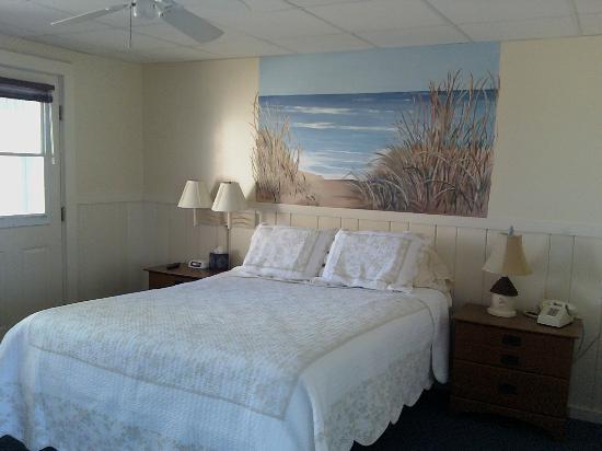 Ocean View Motel: The Cotuit Room