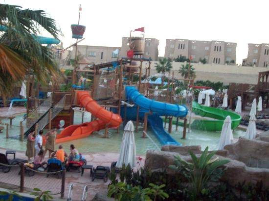 Coral Sea Aqua Club Resort: water park