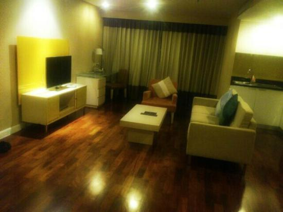 Urbana Langsuan: Living Room