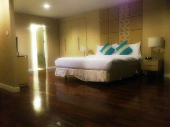 Urbana Langsuan: Master Room