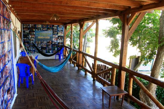 Kon - Tiki Hostal: Tercer área social.