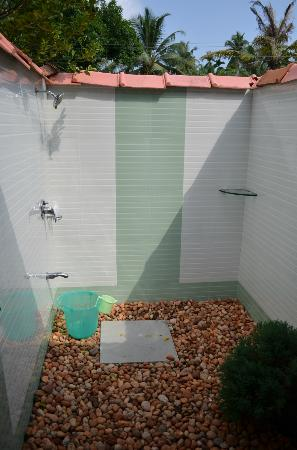 Thevercad Homestay: Outdoor shower
