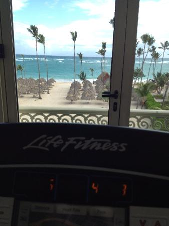 Iberostar Grand Bavaro: Sweet view from treadmill in the gym