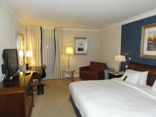 Sheraton Skyline Hotel London Heathrow: Executive Room