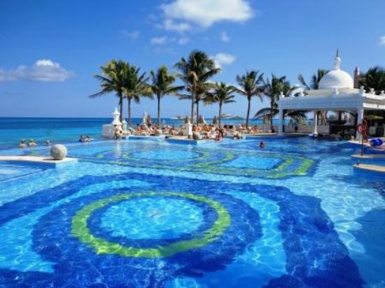 Piscina picture of hotel riu palace las americas cancun for Alberca las americas