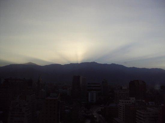 NH Collection Plaza Santiago: Nascer do sol por detrás da Cordilheira