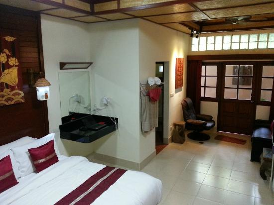 Friendship Beach Resort & Atmanjai Wellness Centre: My room