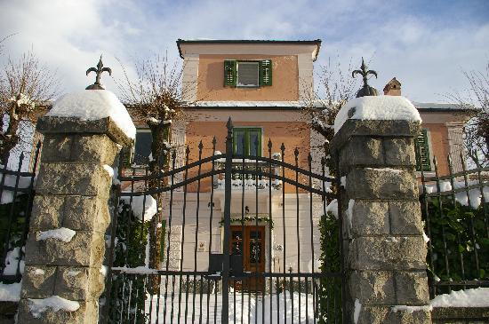 villa albori villa opicina italie voir les tarifs et avis chambres d 39 h tes tripadvisor. Black Bedroom Furniture Sets. Home Design Ideas