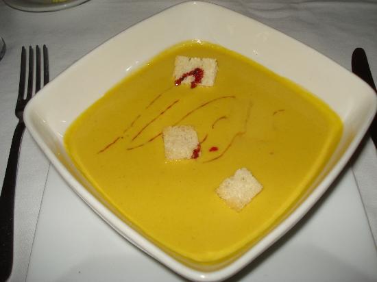 Le Reve Hotel & Spa: corn soup - a must!
