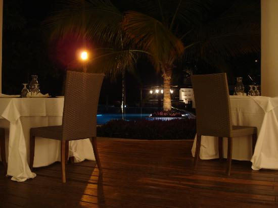 Le Reve Hotel & Spa: restaurant 2