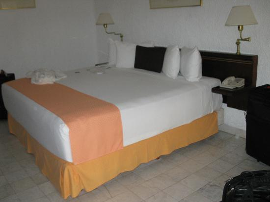 Tesoro Manzanillo: King Sized Comfy Bed