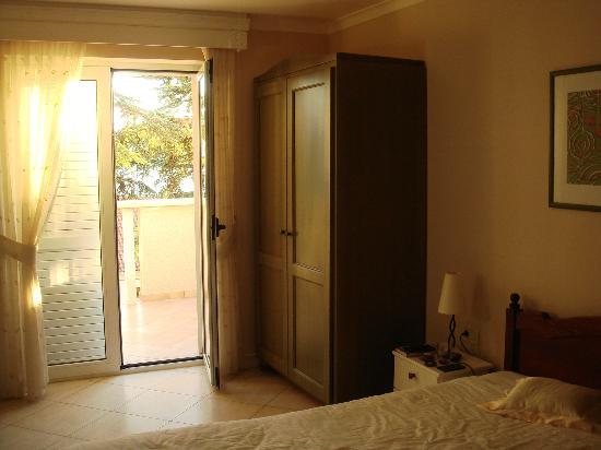 Grand Hotel Dramalj: The room and balcony