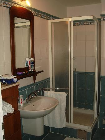 Grand Hotel Dramalj: Bathroom