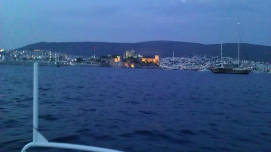 Bardakci Cove: Night at bay