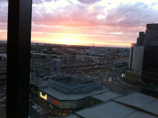 Pan Pacific Melbourne: The gorgeous sunset from our room floor 13 room 07