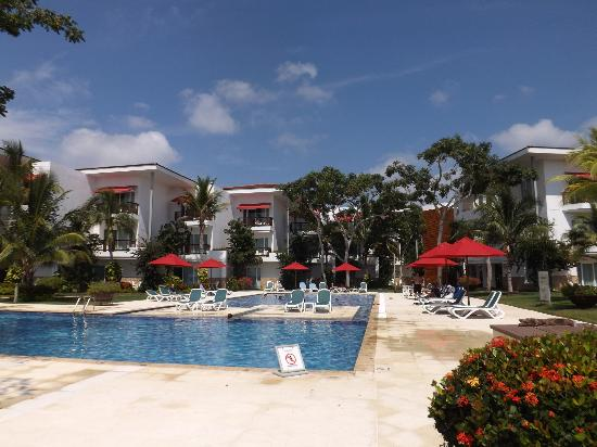 Royal Decameron Baru: Piscina grande