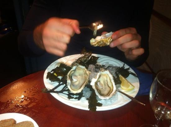 Huîtres et Saumons de Passy : ostriche n2 ( grandi)