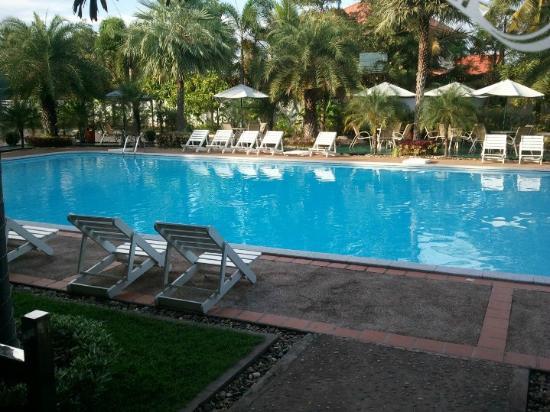 Leuxay Hotel: Pool