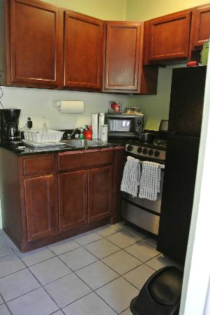 Chesapeake Beach Resort : Kitchen in our villa