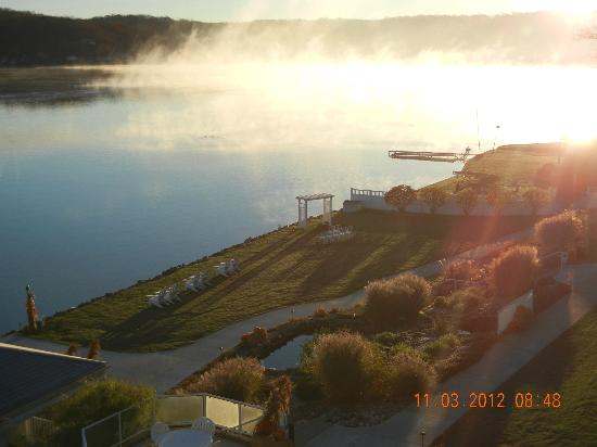 Bay Pointe Inn & Restaurant: What a way to wake up in the morning!