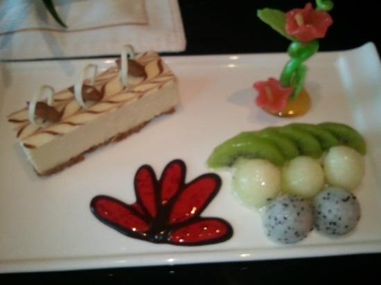 Sovereign Hotel Zhanjiang: dessert