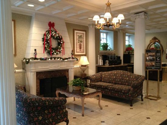 The Willows: Lobby at Christmas (2012)