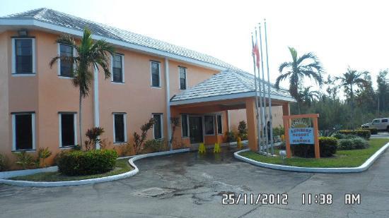 Sunrise Resort & Marina: La fachada del hotel