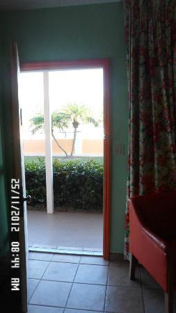Sunrise Resort & Marina: La puerta de la habitación