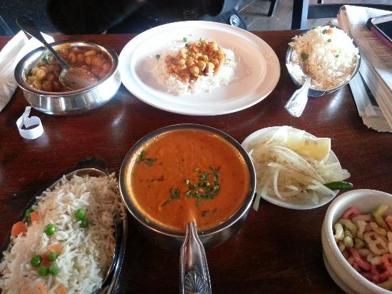 Paratha Junction: yummy food!