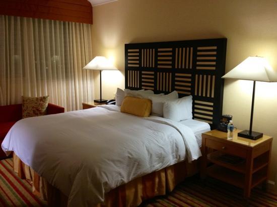 Renaissance Orlando Airport Hotel: bed
