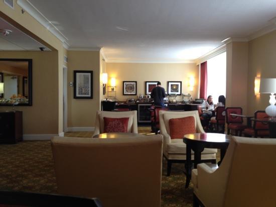 Renaissance Orlando Airport Hotel: concierge lounge