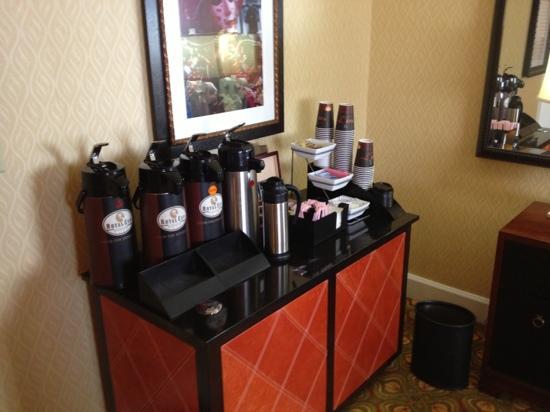 Renaissance Orlando Airport Hotel: concierge coffee