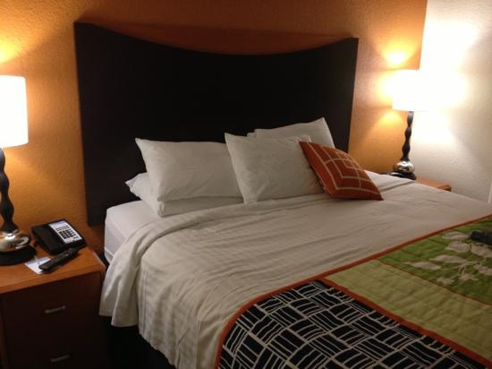 Fairfield Inn & Suites Orlando Lake Buena Vista: bed