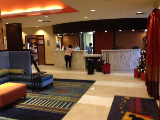 Fairfield Inn & Suites Orlando Lake Buena Vista: front desk